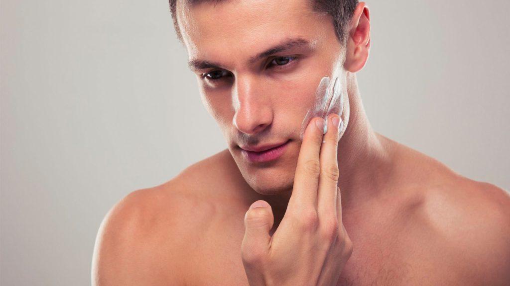 homem sem acne