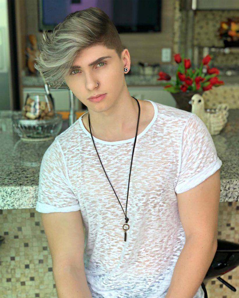 estilo de cabelo do youtuber Bruno Berti