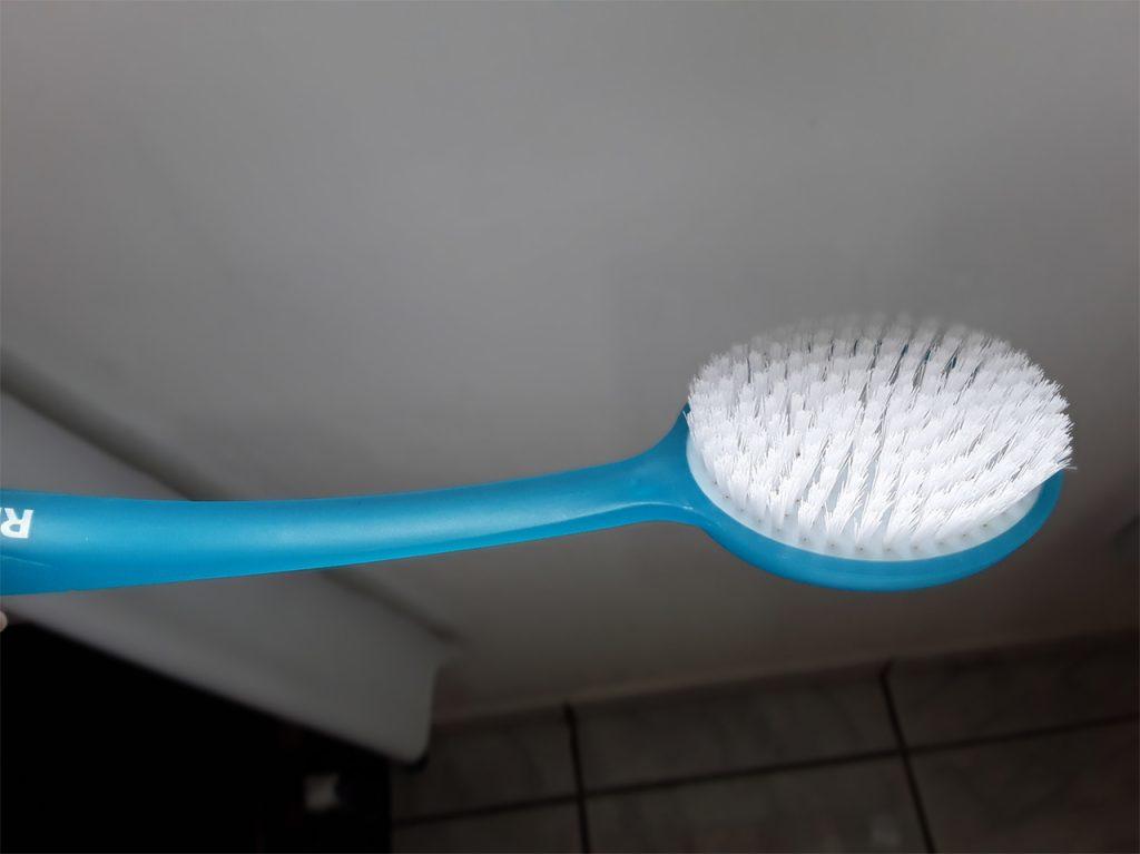 Escova de banho para as costas