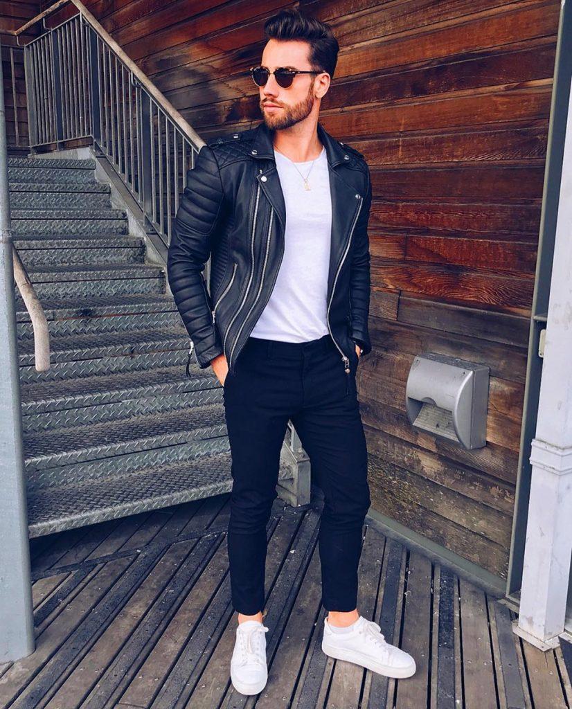 Look masculino com jaqueta Perfecto e camiseta