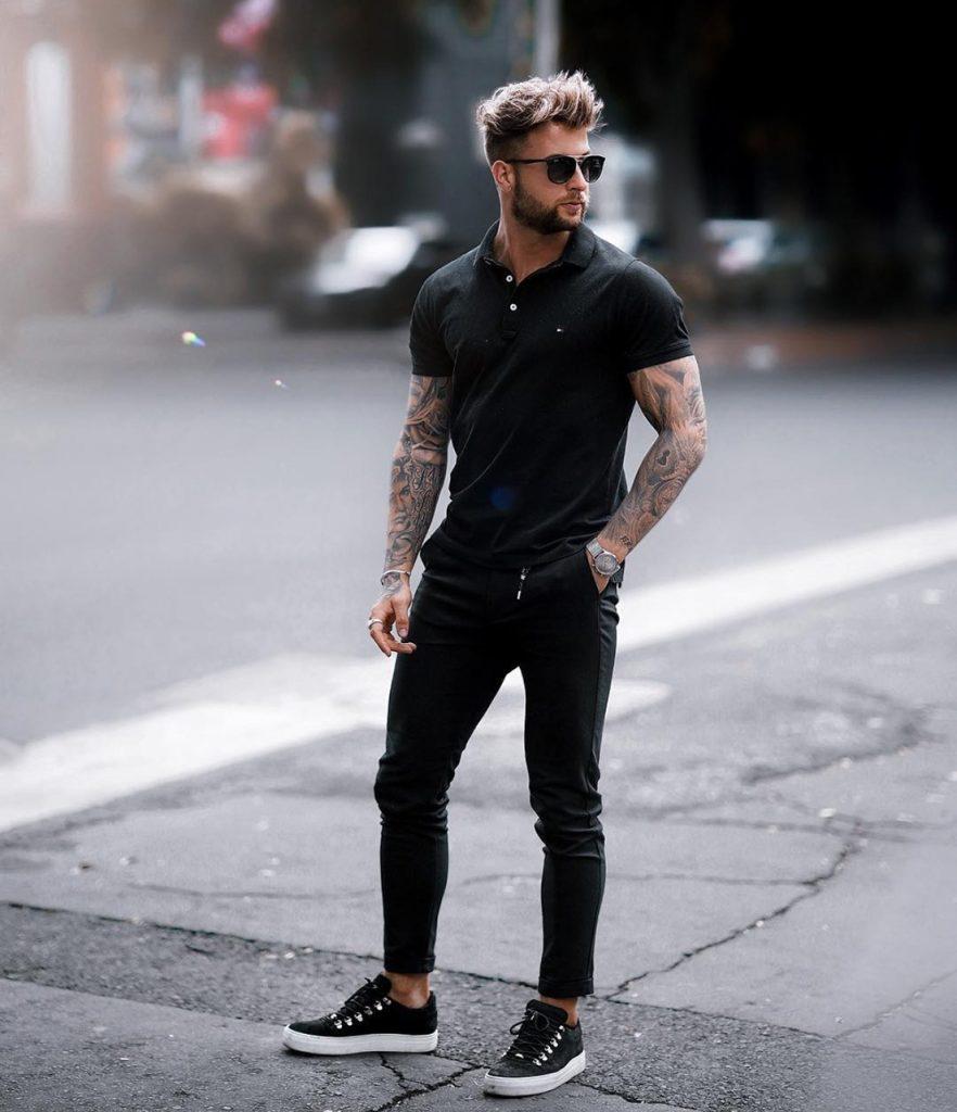 Look masculino com camiseta polo