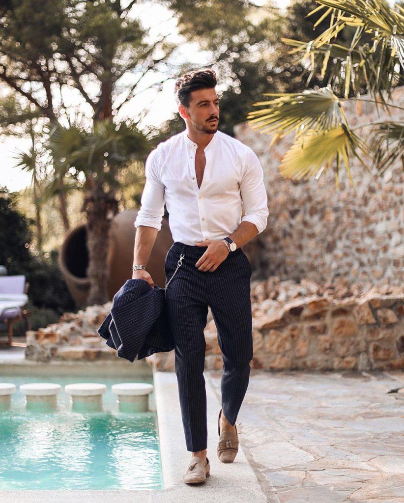 Homem com roupa social costume azul