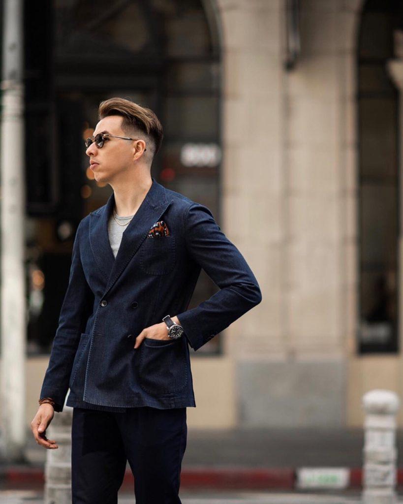 Análise de look com blazer em jeans
