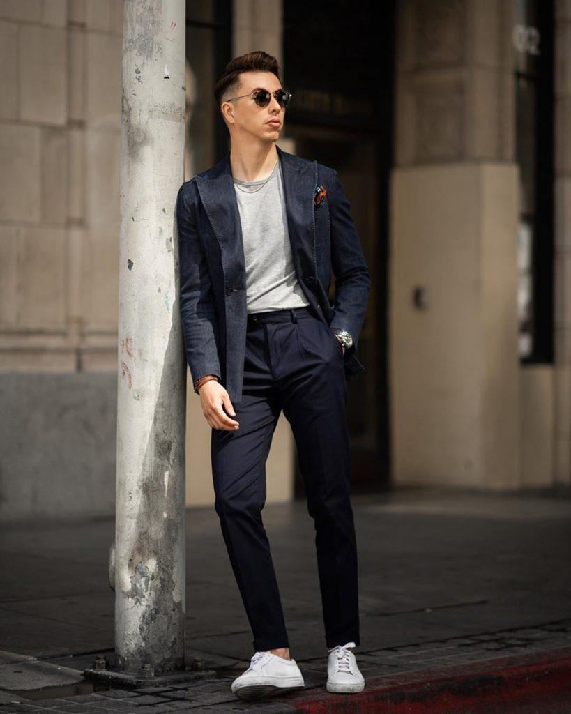 Look masculino com blazer em jeans